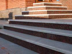 Лестничные ступени из гранита